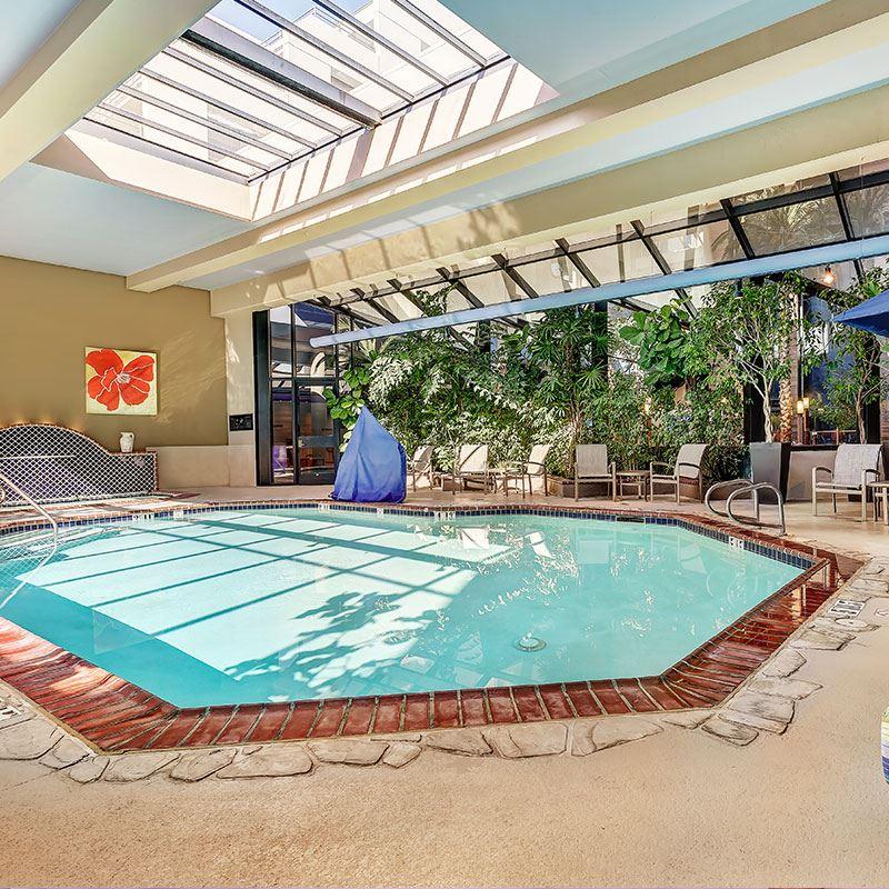 Guestroom Bathroom Indoor Pool