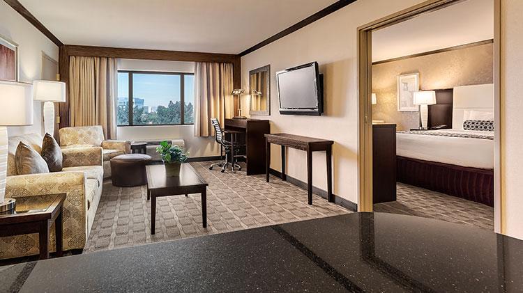 Crowne Plaza - Foster City Hotel, California Executive Level Suites