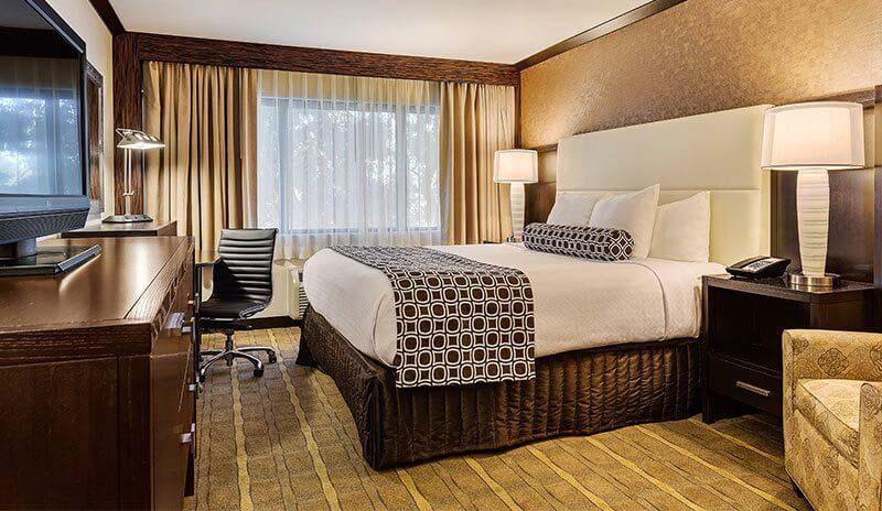Guestrooms & Suites at Crowne Plaza - Foster City Hotel, California